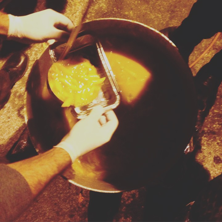 Lesvos_Refugees_Cooking_Food_10