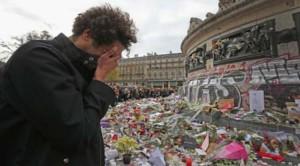 """Francia, Amnesty: """"Misure di emergenza non mettano a rischio i diritti umani"""""""