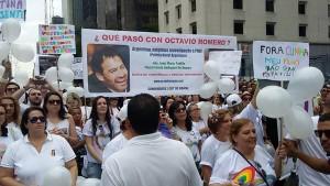 Parada gay de Buenos Aires lembra assassinato homofóbico na Marinha argentina