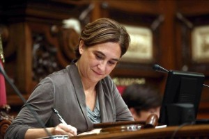 Colau evita que el proceso independentista se atasque en Barcelona