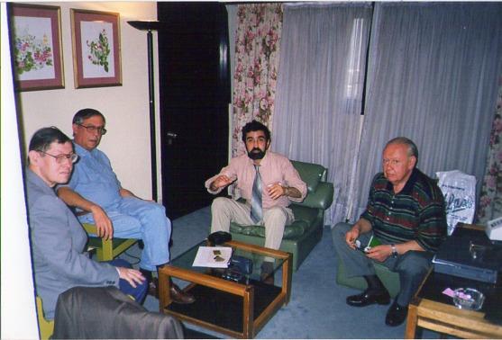 Silo en reunión con científicos rusos, 1998, Buenos Aires