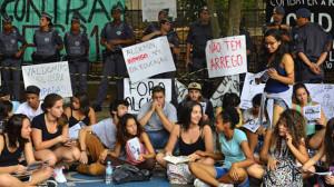 Generazione sveglia non lascia dormire il governatore paulista