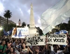En toda Argentina, movilizaciones en defensa de una comunicación plural y democrática
