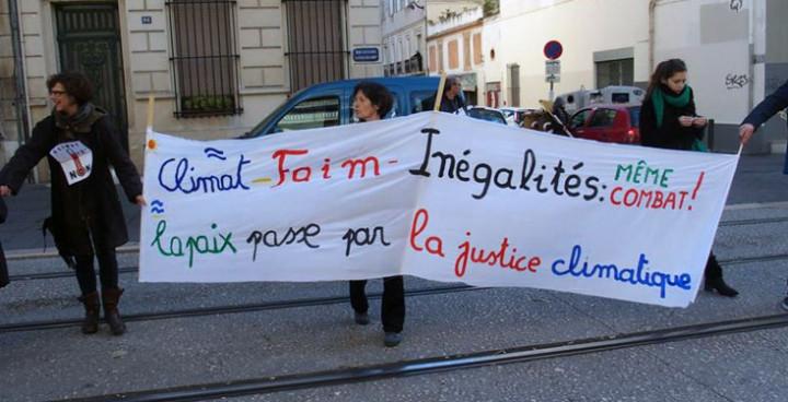 Francia: Cadena humana en Marsella por la justicia climática y la paz