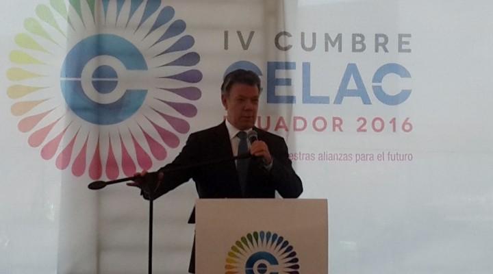 Il Presidente della Colombia onora i progressi compiuti nella risoluzione di 50 anni di guerra civile