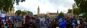 Regno Unito, sciopero dei medici tirocinanti a difesa della sanità pubblica