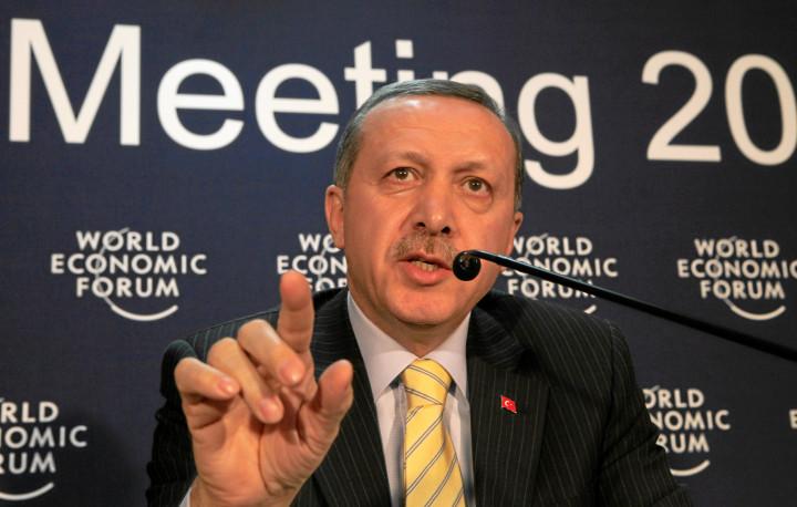 Erdogan responsible for crisis in Turkey: Chomsky