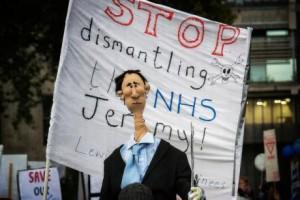 Il Servizio Sanitario britannico sotto attacco. I medici scioperano per difenderlo