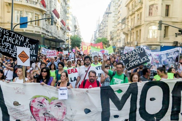 La complicidad de los politicos y su rol en el tratado. Foto Facción Buenos Aires.