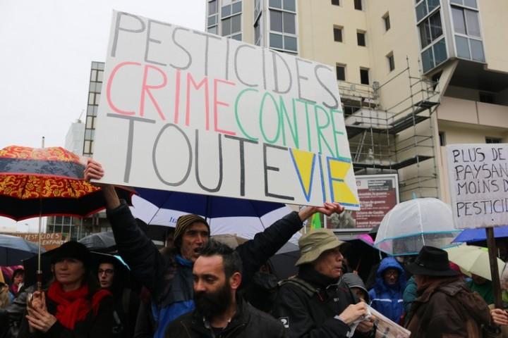 16Marche blanche contre les pesticides à Bordeaux