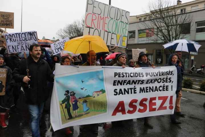 9Marche blanche contre les pesticides à Bordeaux
