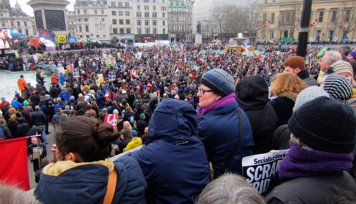 Londres ve la demostración anti armas nucleares más grande de una generación