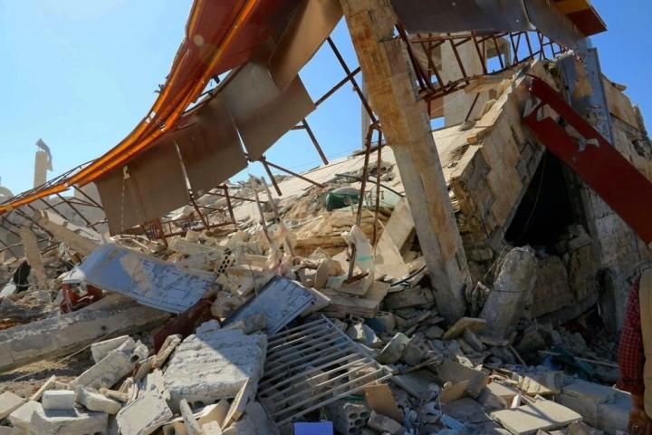 Siria: sette morti e otto dispersi nell'ospedale bombardato