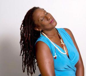 """Mayra Santos-Febres: """"Ser negra es la razón primordial por la cual soy escritora"""""""