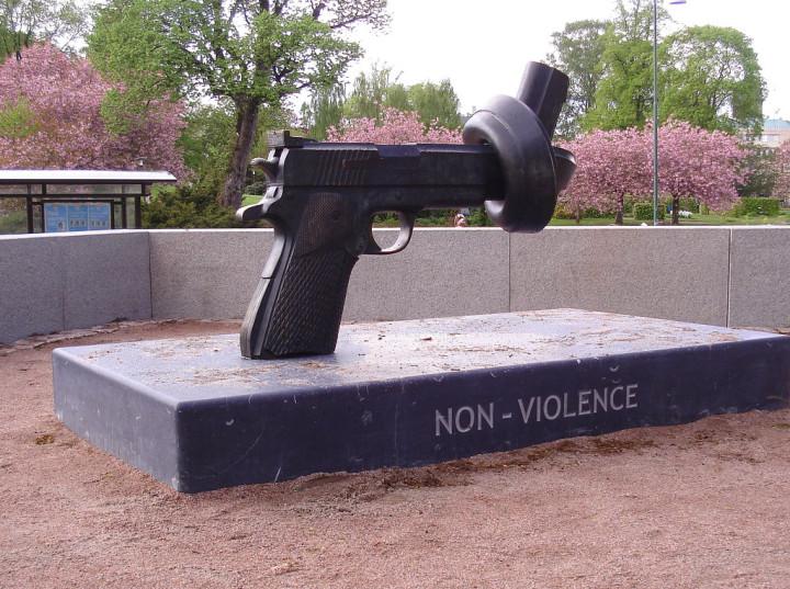 Per una Internazionale nonviolenta. Dal dialogo all'attivismo per la Pace