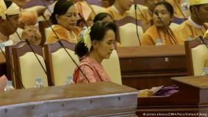 Nova era na democracia em Mianmar