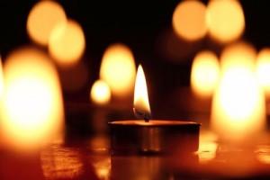Una candela accesa per dire No alla guerra in Siria