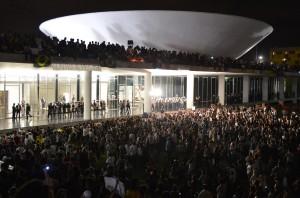 Brasile: solo il popolo può decidere le sorti di Dilma