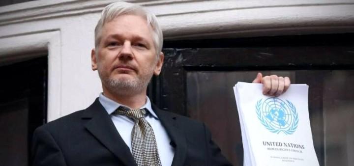 Julian Assange ist niemals eines Verbrechen beschuldigt worden!
