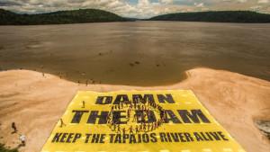 Au Brésil, un projet de méga-barrage menace l'Amazonie et le peuple Munduruku