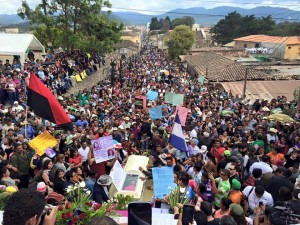 Multitudinario adiós a Berta Cáceres