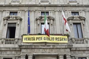 """Milano, esposto a Palazzo Marino lo striscione """"Verità per Giulio Regeni"""""""