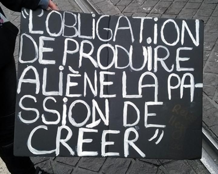 Marsella, 17 de marzo: manifestación estudiantil contra la ley del trabajo… la policía interviene con violencia