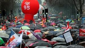 Miles salen a la calle en Francia contra reforma laboral