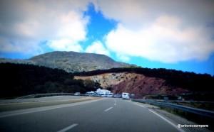 Marruecos blinda con policía la zona de los campamentos de inmigrantes en los montes cercanos a Ceuta