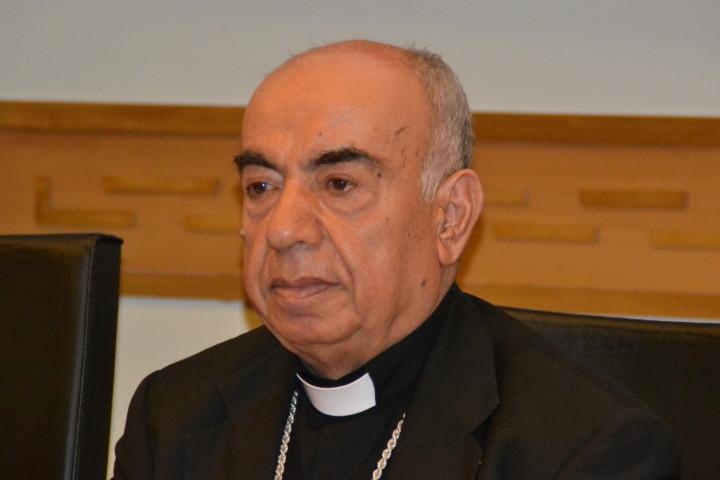 """Mons. Abou Khazen: """"aiutateci a trovare una soluzione non armata"""""""