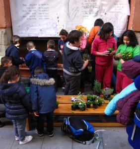 """""""El cole es vida y la vida es barrio"""": el colegio Antonio Moreno Rosales se queda en Lavapiés"""