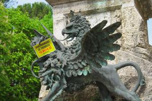 Referendum: Greenpeace fa votare i monumenti