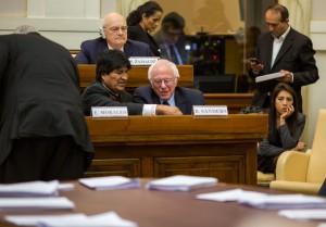 Sanders in Vaticano critica Wall Street e incontra il Papa