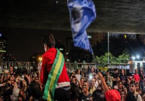 São Paulo: Estudantes reunidos pela internet prometem novos atos contra impeachment