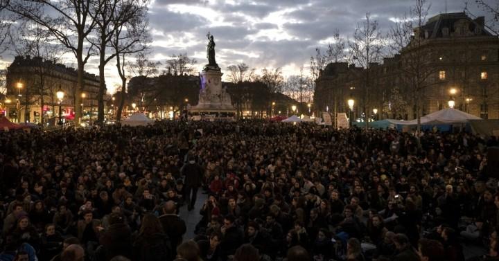 Το Κίνημα 'Nuit Debout' σαρώνει τη Γαλλία με 100.000 διαδηλωτές μέχρι στιγμής