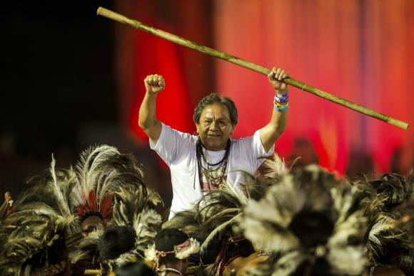 Não há proposta de política indigenista forte no Brasil, diz Marcos Terena