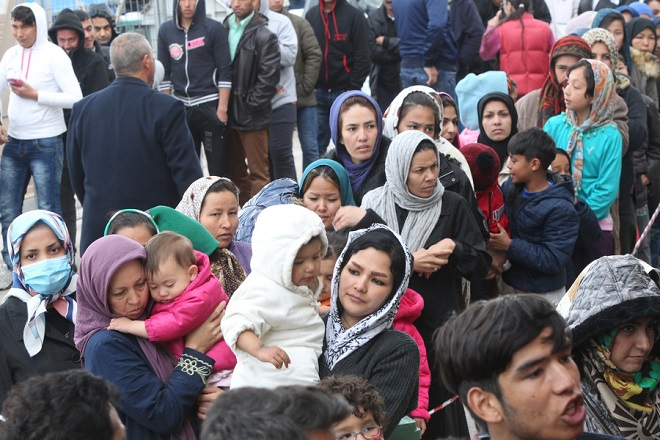 Refugee Crisis 2016: mass deportations and resettlement efforts by social organizations