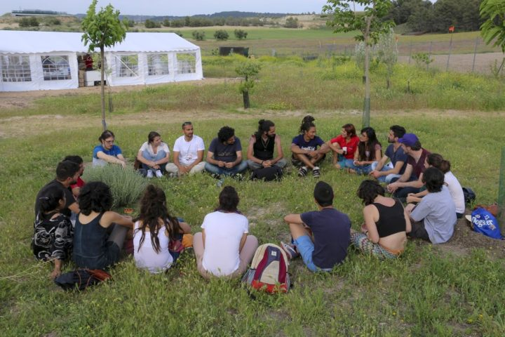 Encuentro Mensajeros Parque Toledo 21 Mayo 2016-intercambio sobre la hierba