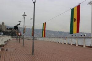 Pescadores levantan banderas de Bolivia en Caleta Portales, Valparaíso