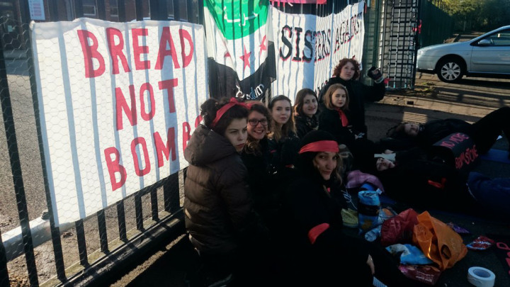 UK: Women protesters chain themselves to gates of Brimstone missile factory