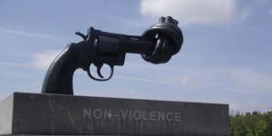 Formare le forze dell'ordine alla nonviolenza