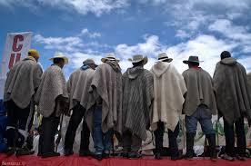 Campesinos colombianos en paro contra políticas gubernamentales