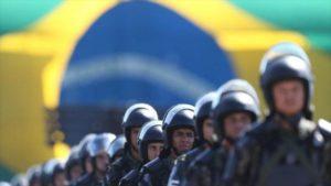 Policías protestan en la ciudad anfitriona de JJOO por impagos salariales