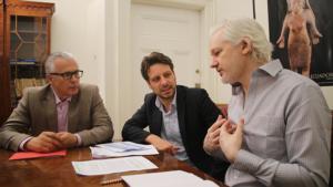 Ecuador bestätigt Asyl für Julian Assange