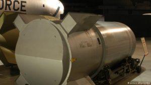 Países estão modernizando arsenais nucleares, diz Sipri