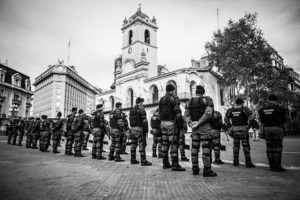 Abuelas de Plaza de Mayo repudia decreto presidencial en Argentina