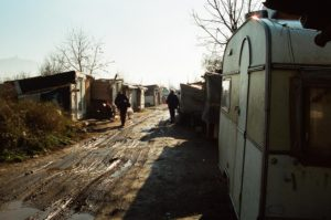 ROM, sgombero a Giuliano (NA): Amnesty International rivela condizioni disumane