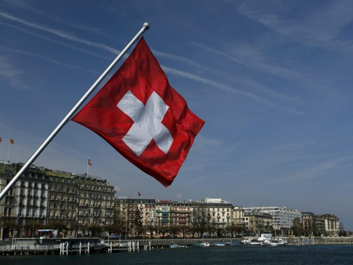 Reddito di base incondizionato: la Svizzera al voto