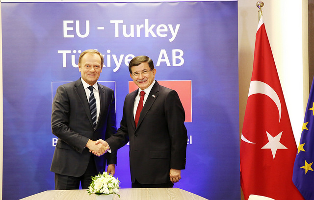 "Rifugiati, Amnesty: Ue sospenda accordo Ue-Turchia, ""irresponsabile e illegale"""