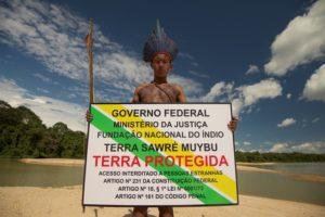 Fotogallery Greenpeace in azione a Milano: Siemens rinunci ai mega-progetti in Amazzonia